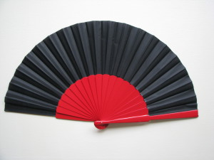 Velký vějíř na flamenco_černo-červený