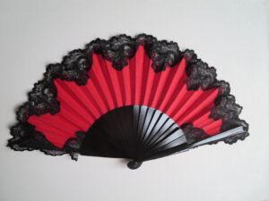 černo-cervěná s černou krajkou