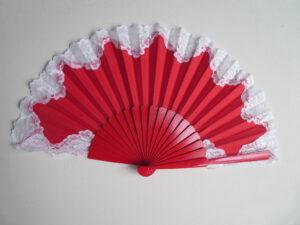 červená s bílou krajkou